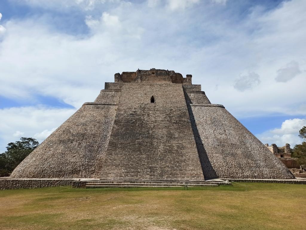 piramida uxmal u meksiku, ušmal, mexico, ruševine, maje, majanski kalendar